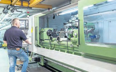 Steinmeyer has purchased a thread grinding machine for slightly less than 1 million Euro / cooperation with machine manufacturer.